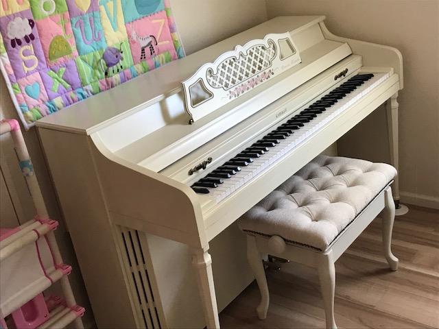 鎌倉市の大邸宅にてピアノ調律と修理イメージ1